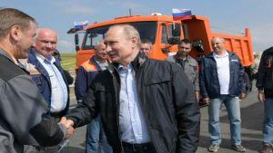 Putin opens Crimean Bridge