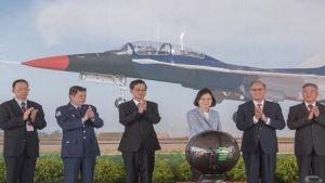 Taiwan jet trainers