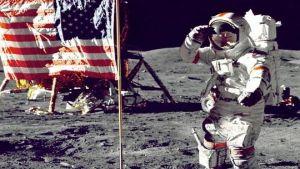 astronauts moon