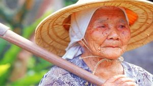 Japan old woman