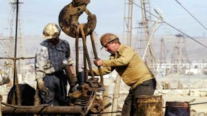 US oil rig workers
