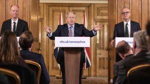 Boris Johnson, Chris Whitty, Sir Patrick Vallance