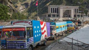China border trucks