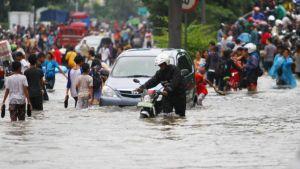 Jakarta is crowded