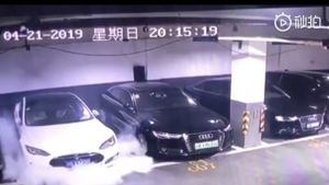 Tesla Model S explodes in Chinese car parking