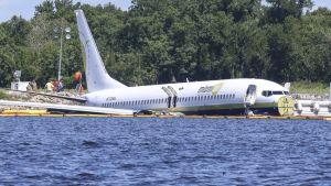 Boeing in Florida water