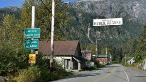 Canada Alaska border