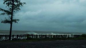 Cyclone Amphan batters