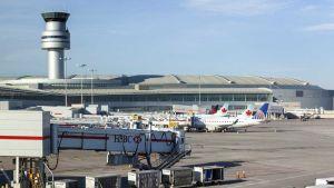 Lester B. Pearson International Airport, Ontario