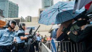 Hong Kong police use rubber bullets