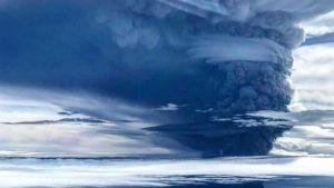 Ulawan volcano pulls back