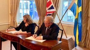 Peter Hultqvist and Penny Mordaunt