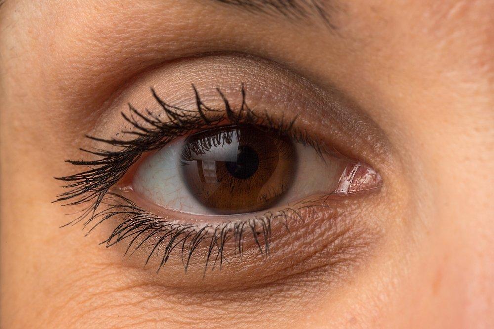 Menghilangkan-Kantung-Mata-Keriput-dan-Lingkaran-Hitam-Di-Bawah-Mata_efokvr Menghilangkan Kantung Mata, Keriput, dan Lingkaran Hitam Di Bawah Mata Beauty Health Woman