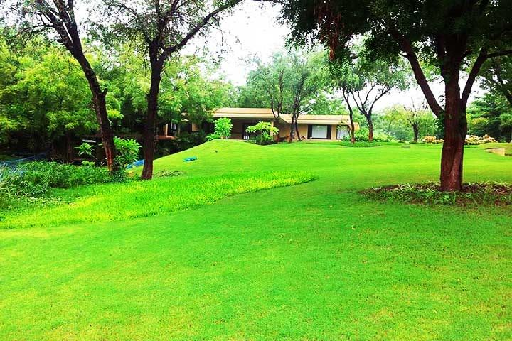 Aalloa Hills Resort