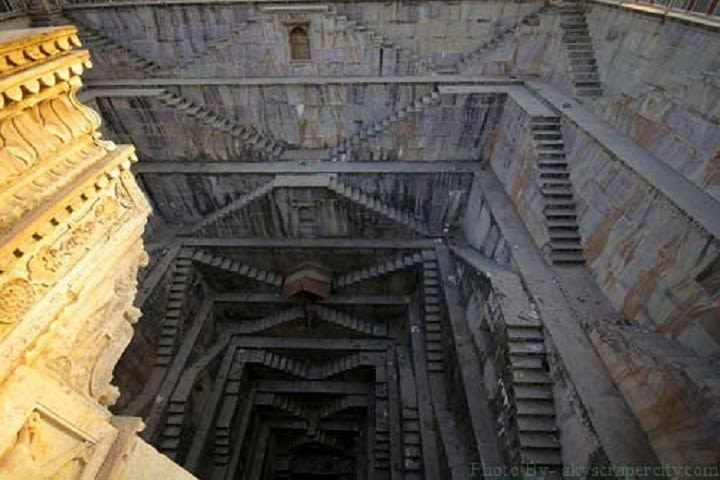 Raniji Ki Baori-Step well