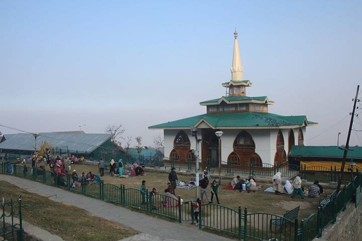 Baba Reshi Shrine