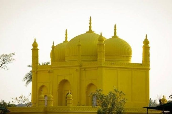 Yellow Mosque