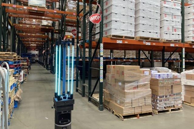 solar-power El robot CSAIL desinfecta el Greater Boston Food Bank