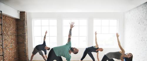 Anusara Yoga, ecco come migliora il tuo benessere psicofisico