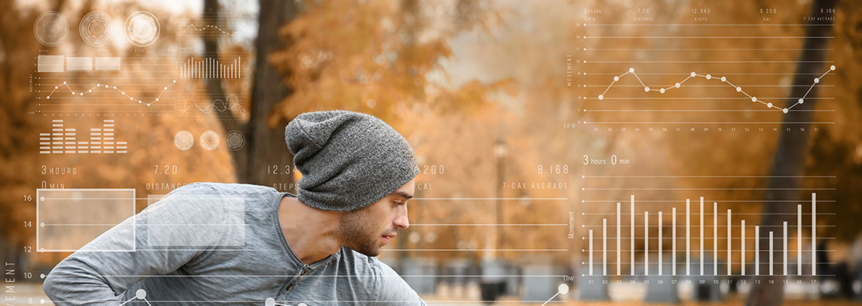 Uomo misura frequenza cardiaca massima