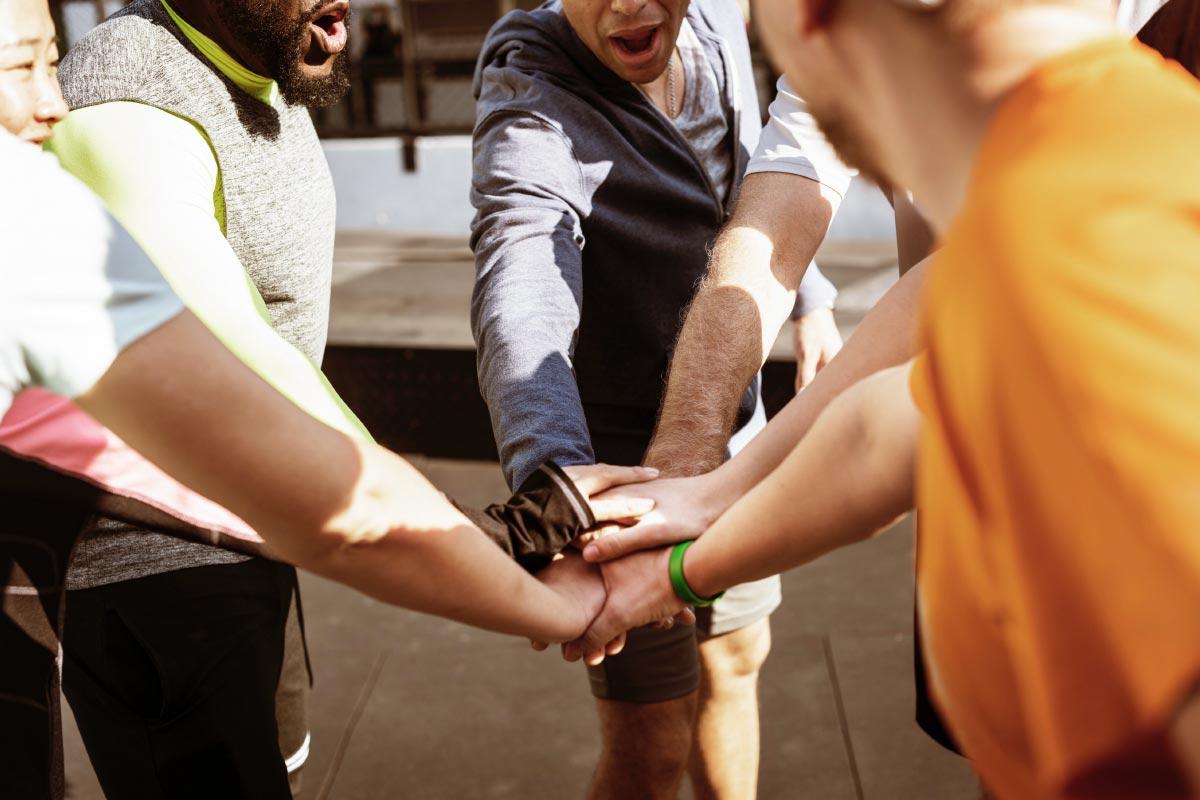 Team building sportivo per migliorare fiducia e coesione tra colleghi