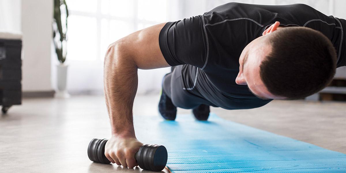 Allenamento in casa per mantenersi in forma