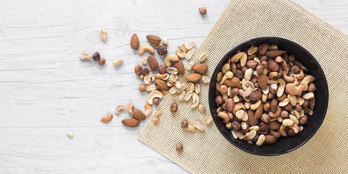scelte alimentari che rafforzano il sistema immunitario: frutta secca