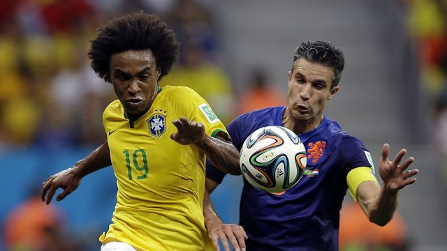 Willian in action at the 2014 World Cup