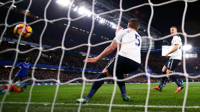 Moses scores against Tottenham in November 2016