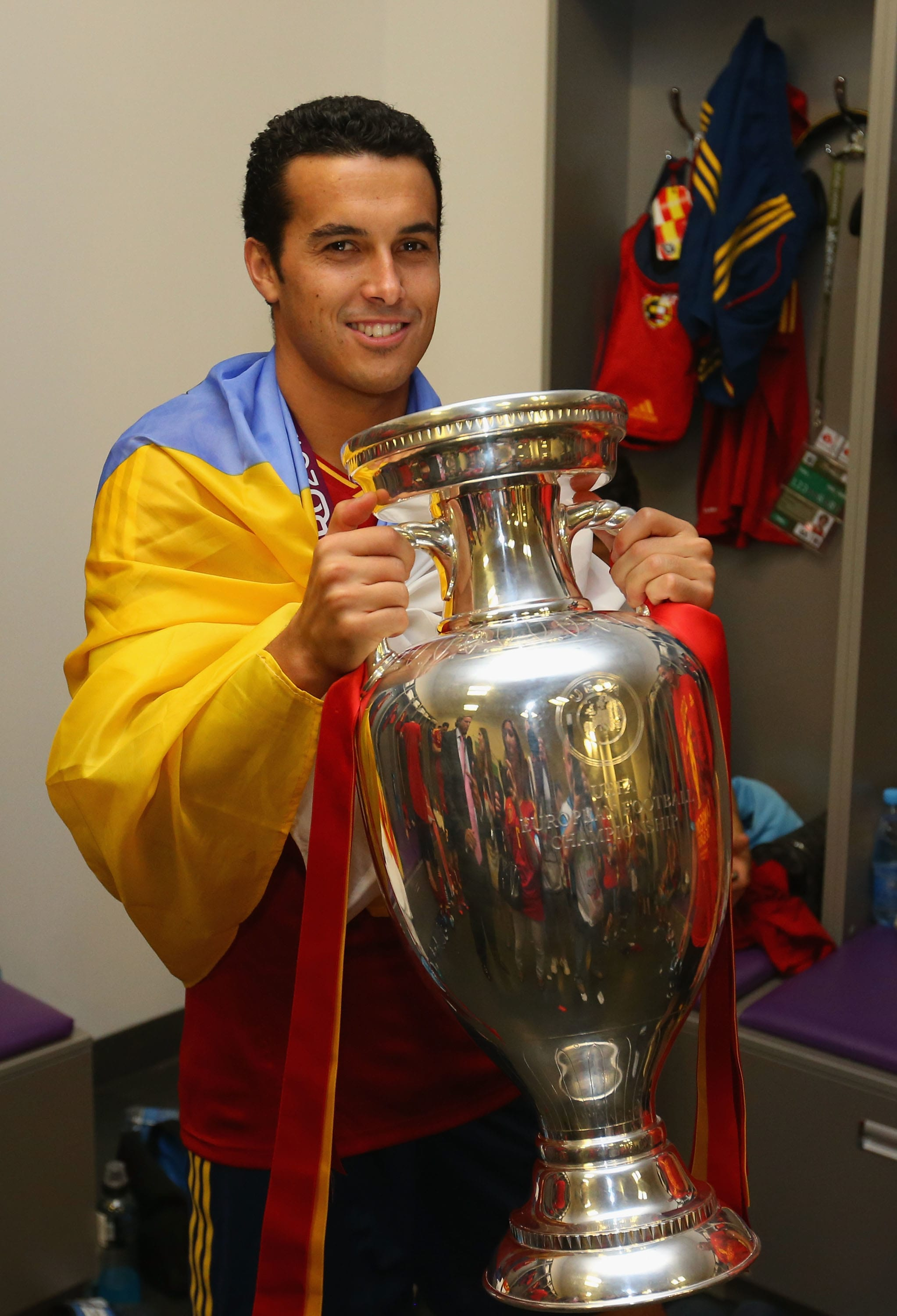 Pedro with the European Championships trophy in 2012