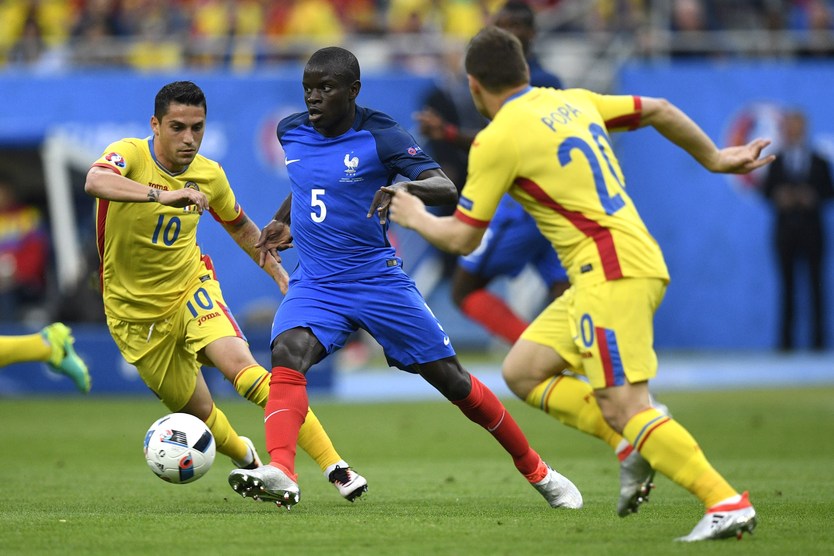 Kante playing in Euro 2016 against Romania.