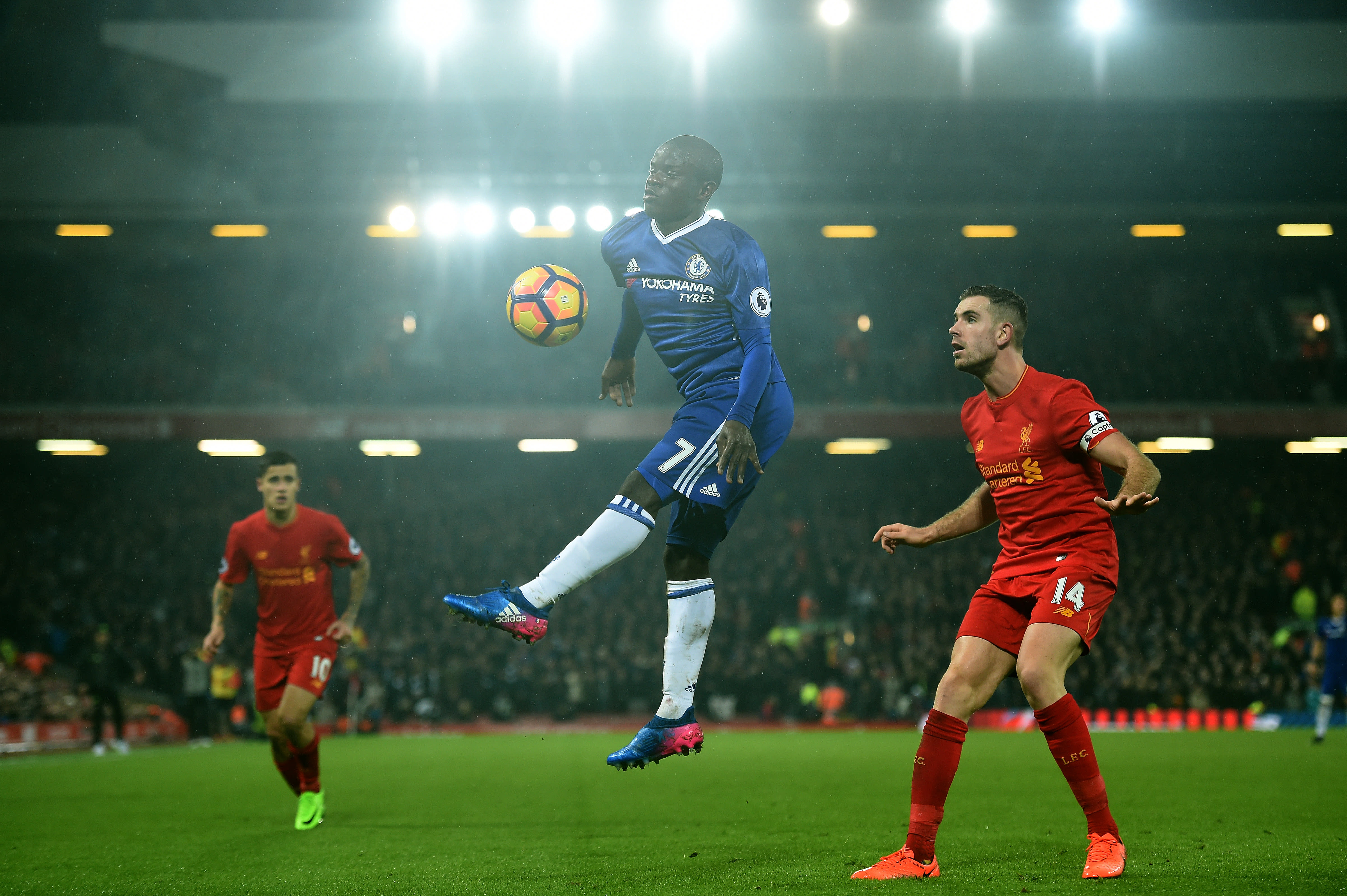 Kante in action, controlling a high ball at Anfield