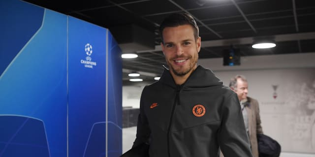 Batshuayi, Gullit and Azpilicueta on his secrets for staying fit in today's match programme | Official Site | Chelsea Football Club