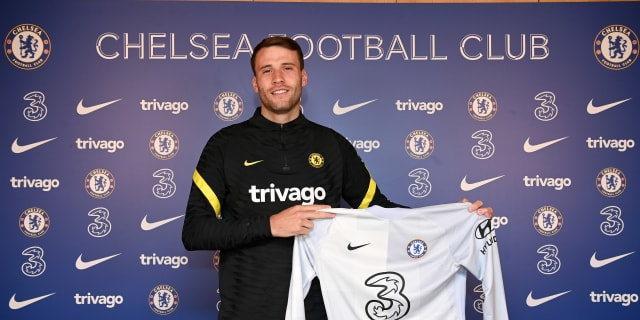 Bettinelli signs for Chelsea