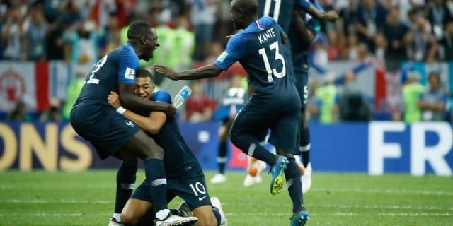 Kante_world_cup-celebrations_999557722