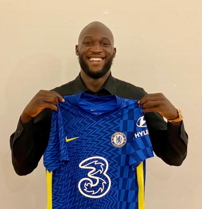 https://res.cloudinary.com/chelsea-production/image/upload/c_fit,dpr_auto,f_auto,fl_lossy,q_auto,w_680,z_1.0/v1/editorial/news/2021/08/12/lukaku-signing