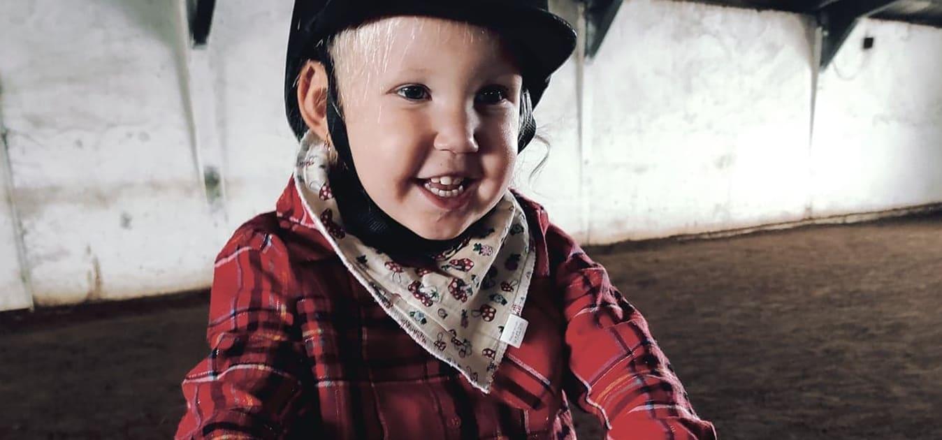 Autizmussal élő gyermekek terápiás lovaglását segítette a CHERRISK-közösség 🧒🐴