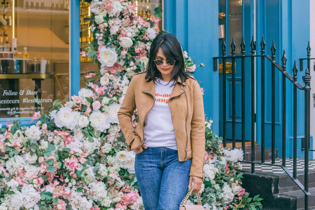 3 Ways to Style a Slogan Tee and Jeans
