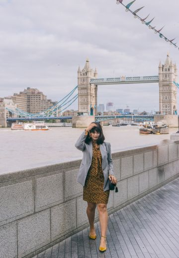 How to Wear a Grey Blazer Cover Image