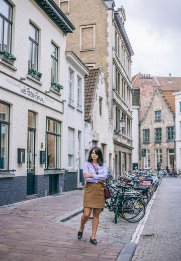 Bruges City Guide + Tips on Buying Chocolate Cover Image