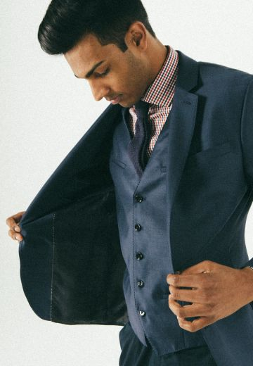 Tips for Buying a Men's Ready-to-Wear Suit Cover Image