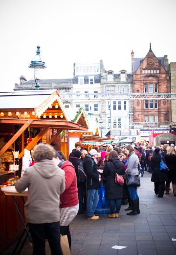 Unique Things to do at the Edinburgh Christmas Markets Cover Image