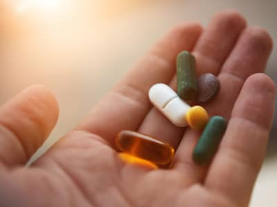 Partager ses vitamines avec son chien, est-ce une bonne idée ?