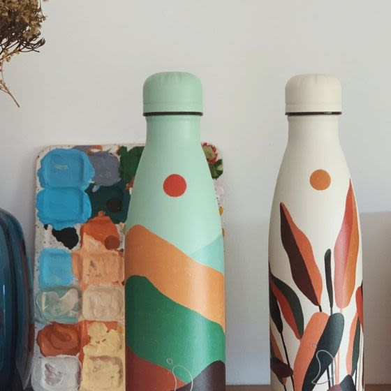 Autumn on a bottle, courtesy of our Artist Series collaboration with @maus__haus 🍂⛰ Have you got yours yet? 🧐