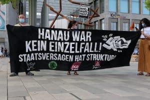 Ein Plakat mit der Aufschrift: Hanau war kein Einzelfall!