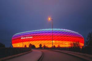 Das Bild zeigt die Allianz Arena