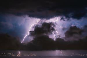 Das Bild zeigt ein heftige Gewitter