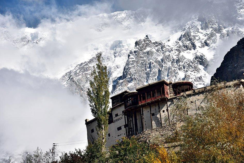 Explore-Baltit-Fort-hunza-with-Chkar