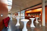 Kulturzentrum Theatersaalforyer Stehtische