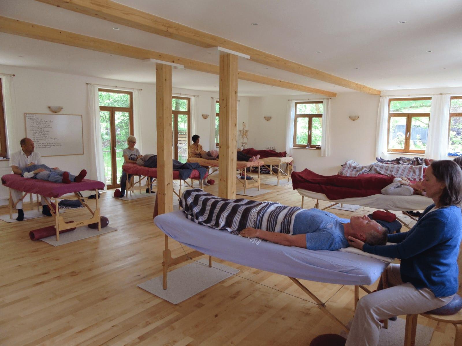 Craniosacral Healing Ausbildung Seminar - Ein Kurs im Seminarraum